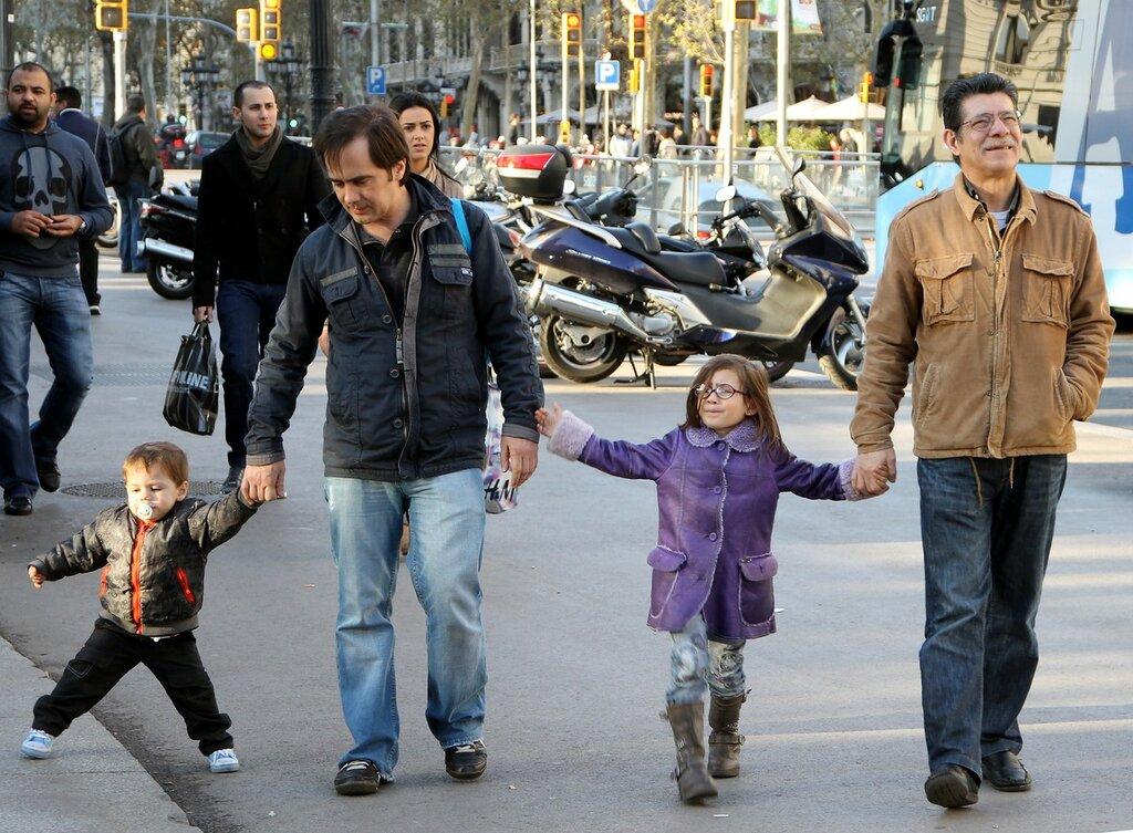 Барселона. Портреты на фоне Пласа Каталуния