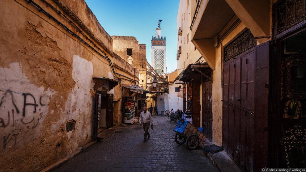 11. Самое интересное здесь — уличная жизнь, которая везде — от Египта до Марокко — выглядит при