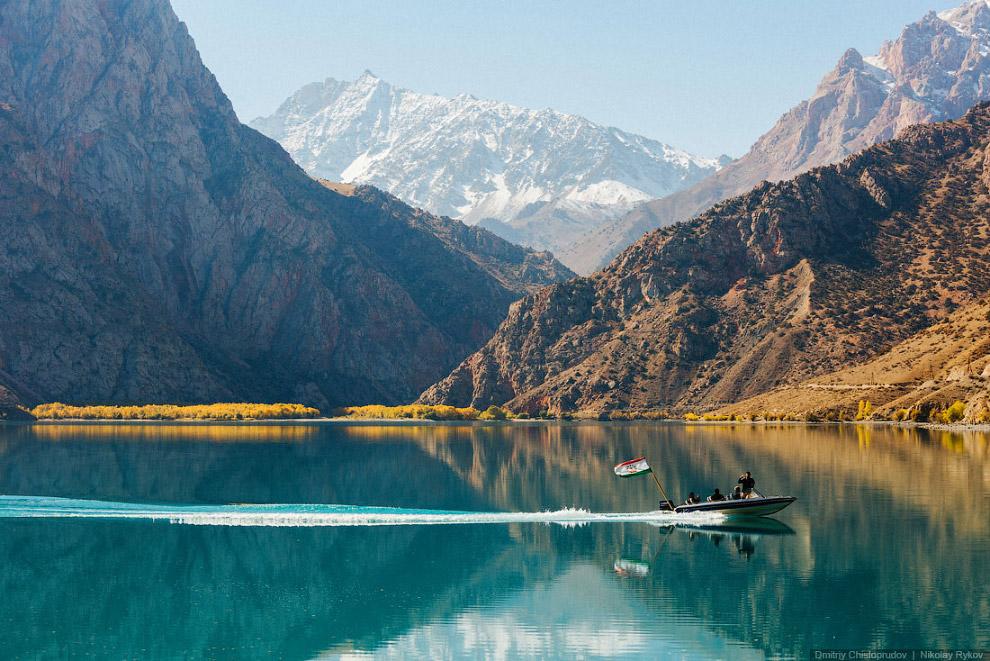 25. Озеро находится на высоте более двух километров, поэтому для нас это была своеобразная аккл