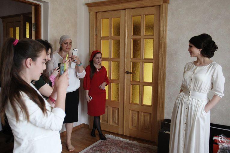 Особенность чеченских свадебных традиций заключается в том, что их соблюдают с щепетильной точно
