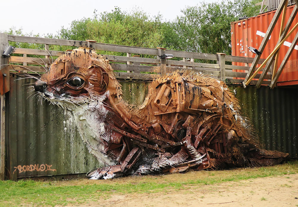 Граффити из мусора от Bordalo II (15 фото)