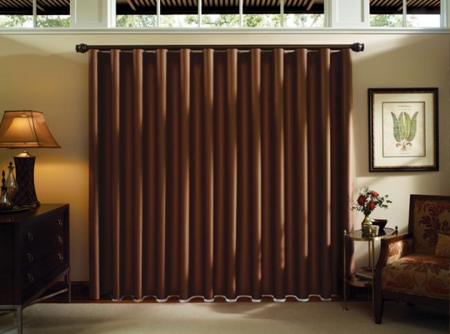 7. Посадите шторы на плотную подкладку. Даже недорогая шторная ткань от этого серьезно выиграет. Ищи