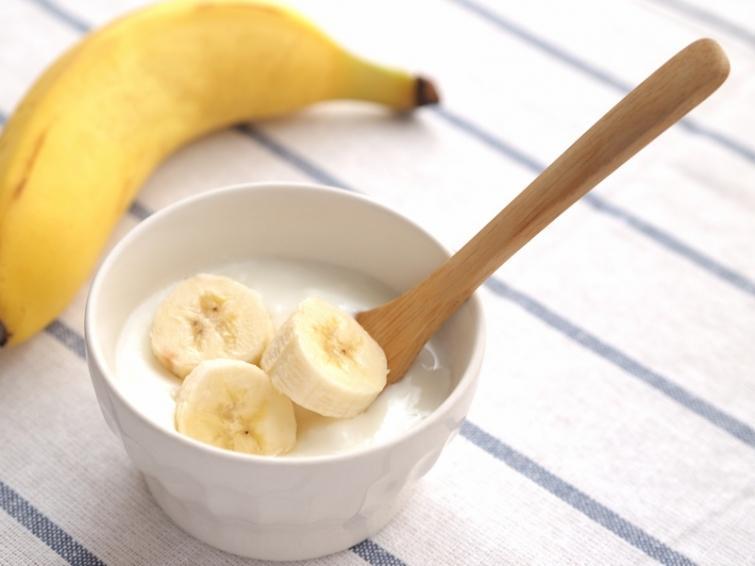 3. Йогурт и бананы. Такое сочетание ускоряет восстановление мышц после тренировок и занятий фитнесом