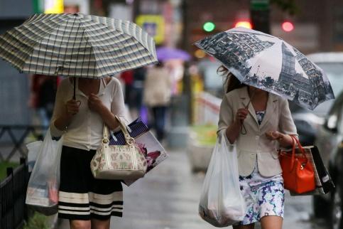 Гроза иливневый дождь обрушатся на столицу всреду