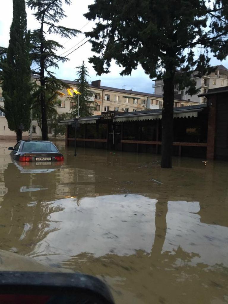 смотреть фотографии затопление в сухуми