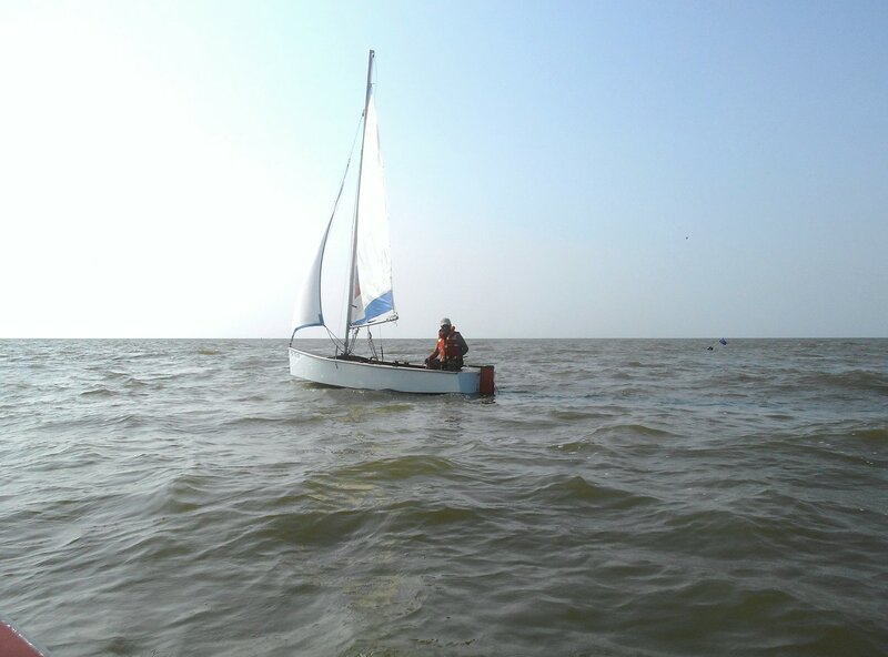 Яхтсмен и его яхта, в море ... DSCN7773.JPG