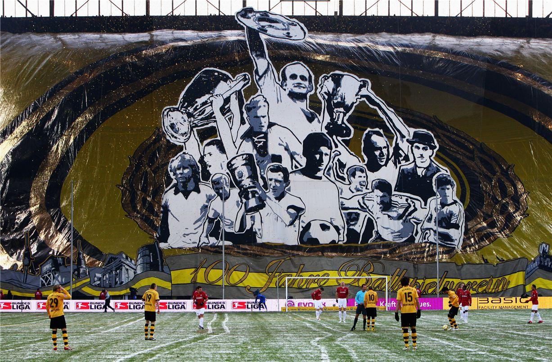 Soccer tifos / Гигантские баннеры футбольных болельщиков со со стадионов по всему миру - Borussia Dortmund