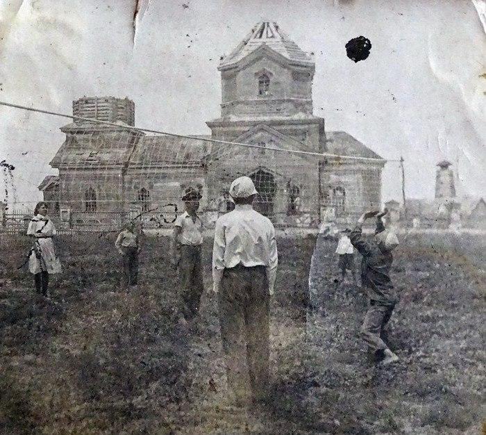 Старая церковь в Колобовке