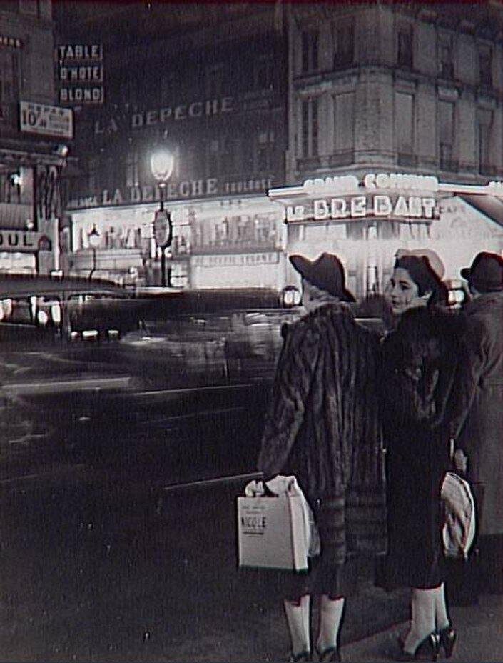 1935. На Больших бульварах