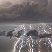 Грозовые тучи и молния