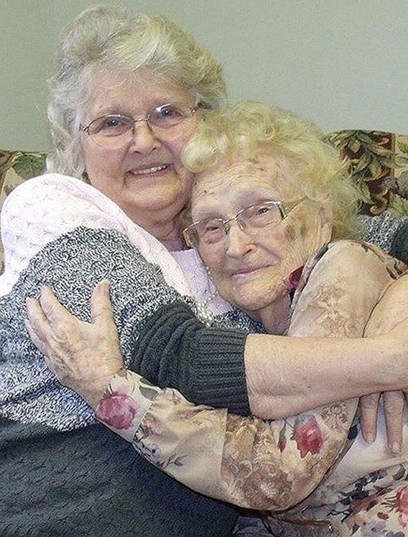 Спустя 82 года дочь нашла родную мать