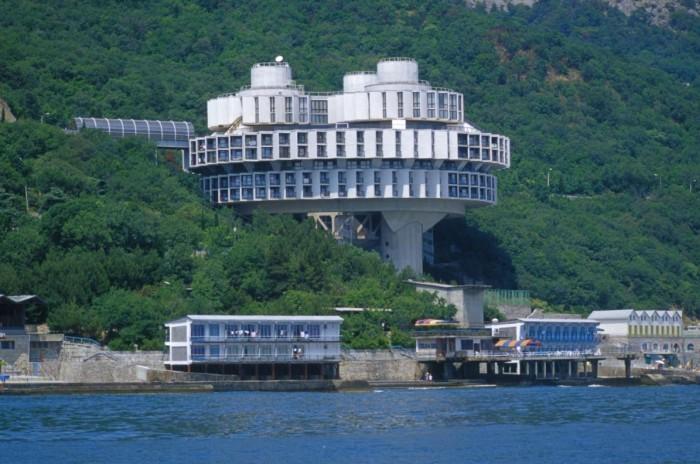 Туристам обещано бесперебойное электроснабжение на курортах Крыма