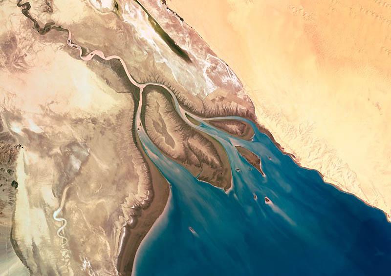 2. На этих фото можно увидеть большое разнообразие форм. На фото: река Колорадо в Мексике. (SPL / Ba