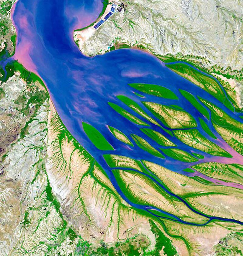 3. Дельты образуются путем сбора осадочных пород в устьях рек. Слово произошло от греческой буквы «д