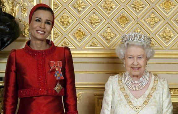 Для арабского мира ее стиль - дерзость. Бывший эмир Катара позволил своей второй жене не только снят
