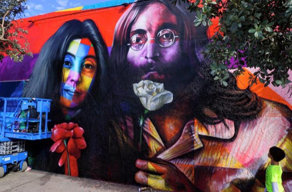 «Дайте миру шанс», 35лет после смерти Джона Леннона, автор: Eduardo Kobra . Тель-Авив, Израиль