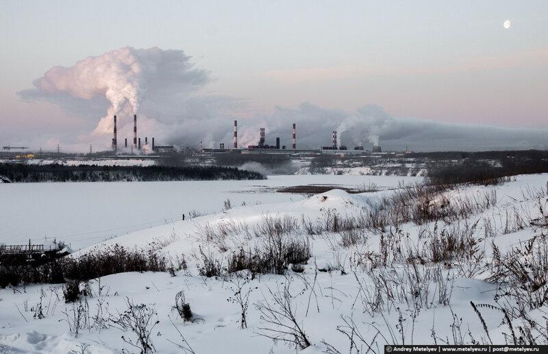 Дымит уральский алюминиевый завод