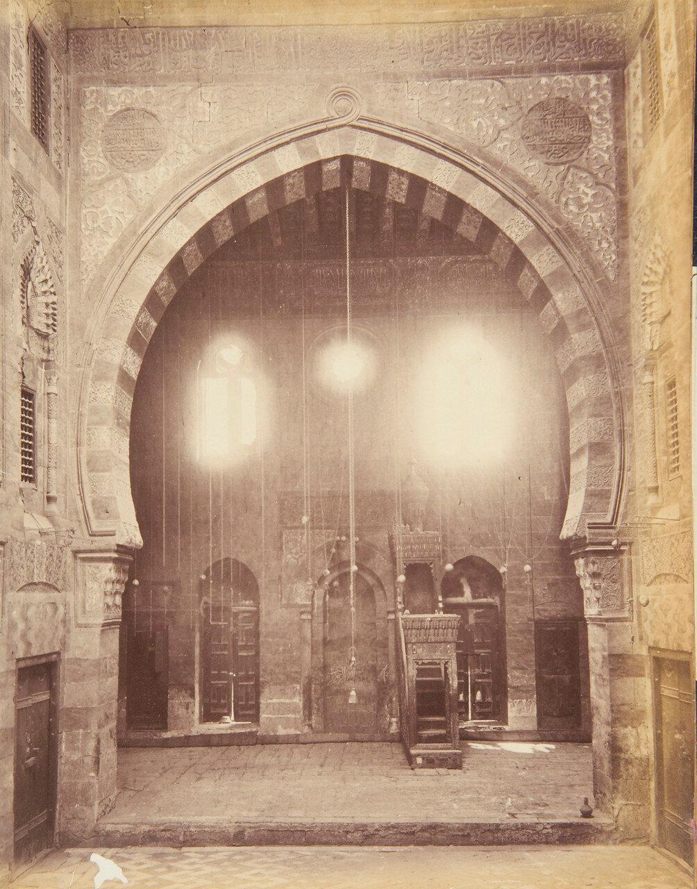 Каир. Надгробная мечеть Кайтбей. Внутренний вид. 1877-87