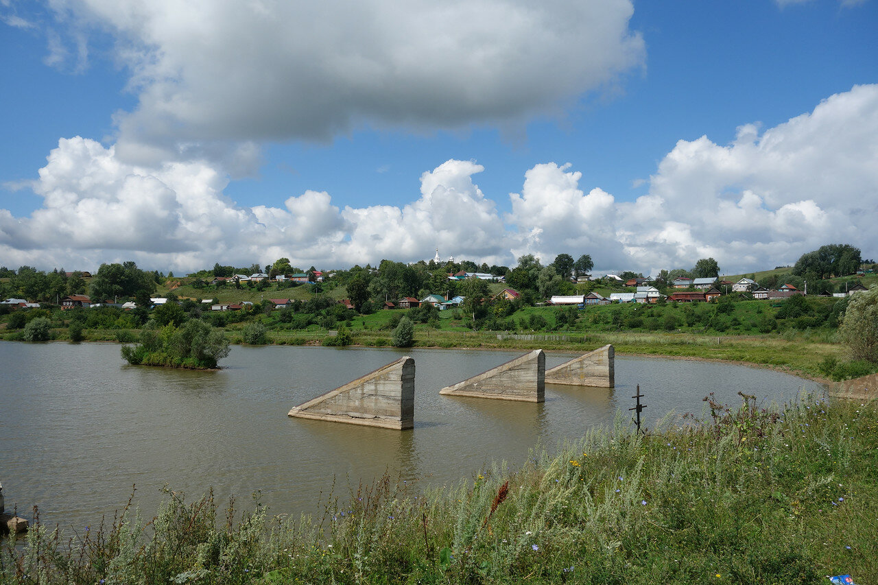 пруд на реке Аниш