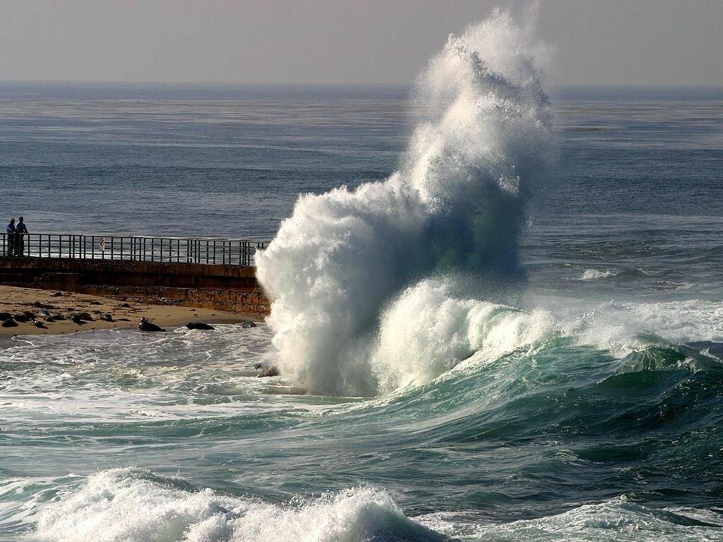 3430-vague-sur-rivage-WallFizz.jpg