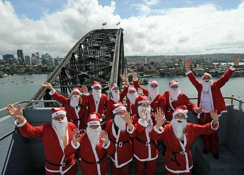 Бегущие Санта-Клаусы захватили австралийский Сидней