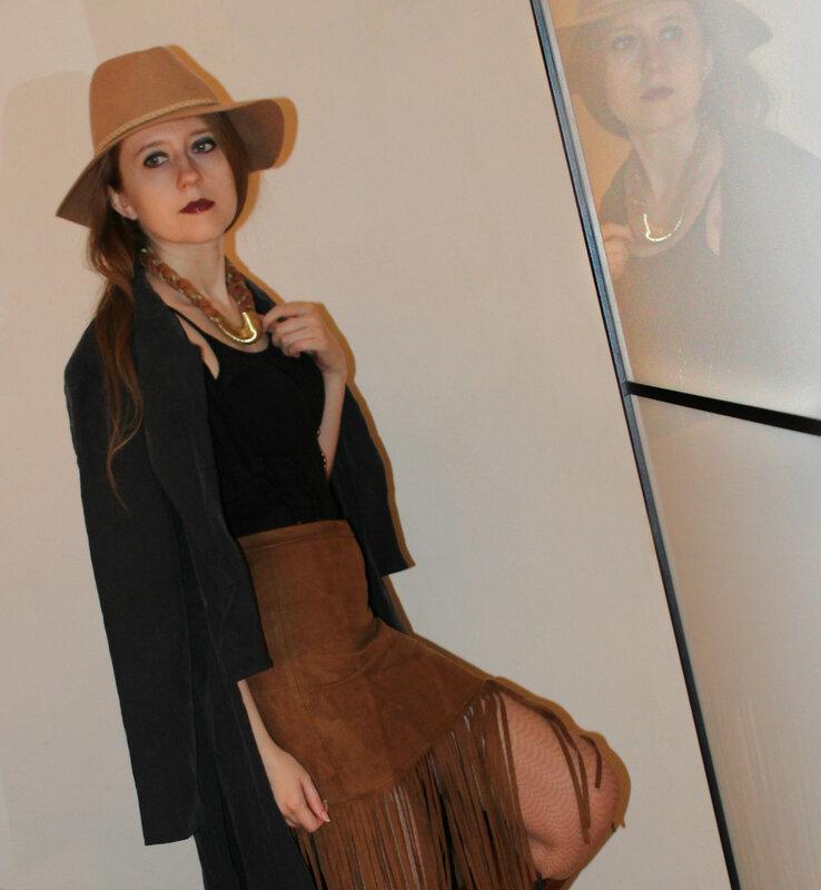 Шляпа - Stradivarius, юбка - Forever21
