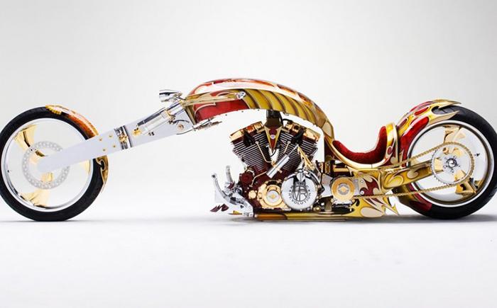 Мотоцикл Yamaha BMS оснащен V-образным двигателем 1700 сс. Да, это мощный мотоцикл, но не единственн