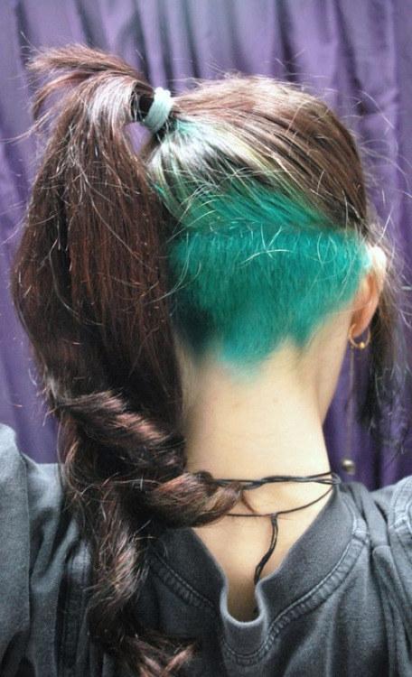 окрашивание-волос-мода-2016-красота-мелирование-тонирование-неон16.jpg
