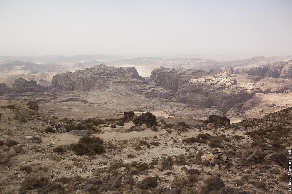 Иордания, по дороге из Акабы в Петру