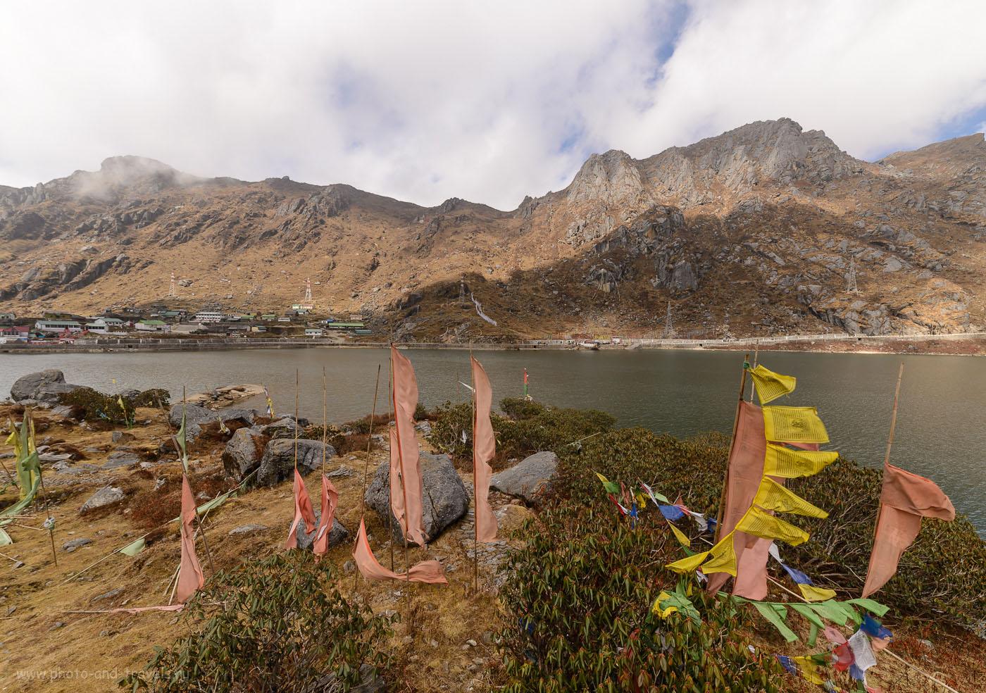 Фото 10. Панорама озера Тсонгмо. Вид на берег с «туристической деревней». Отзывы туристов об экскурсиях в штате Сикким, Индия. 1/160, -1.0, 9.0, 100, 14.