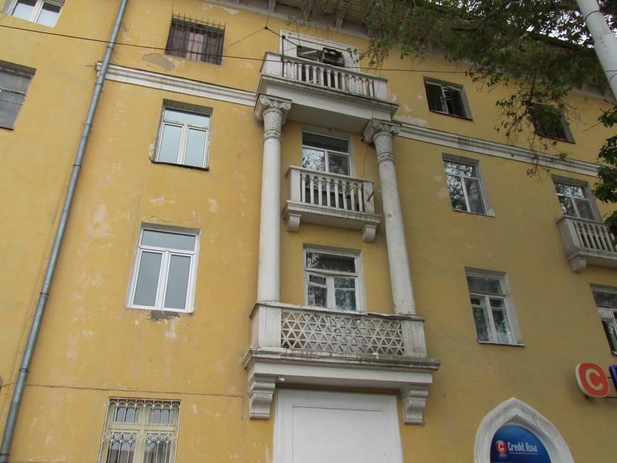 сталинские дома на улице бабура 14.JPG