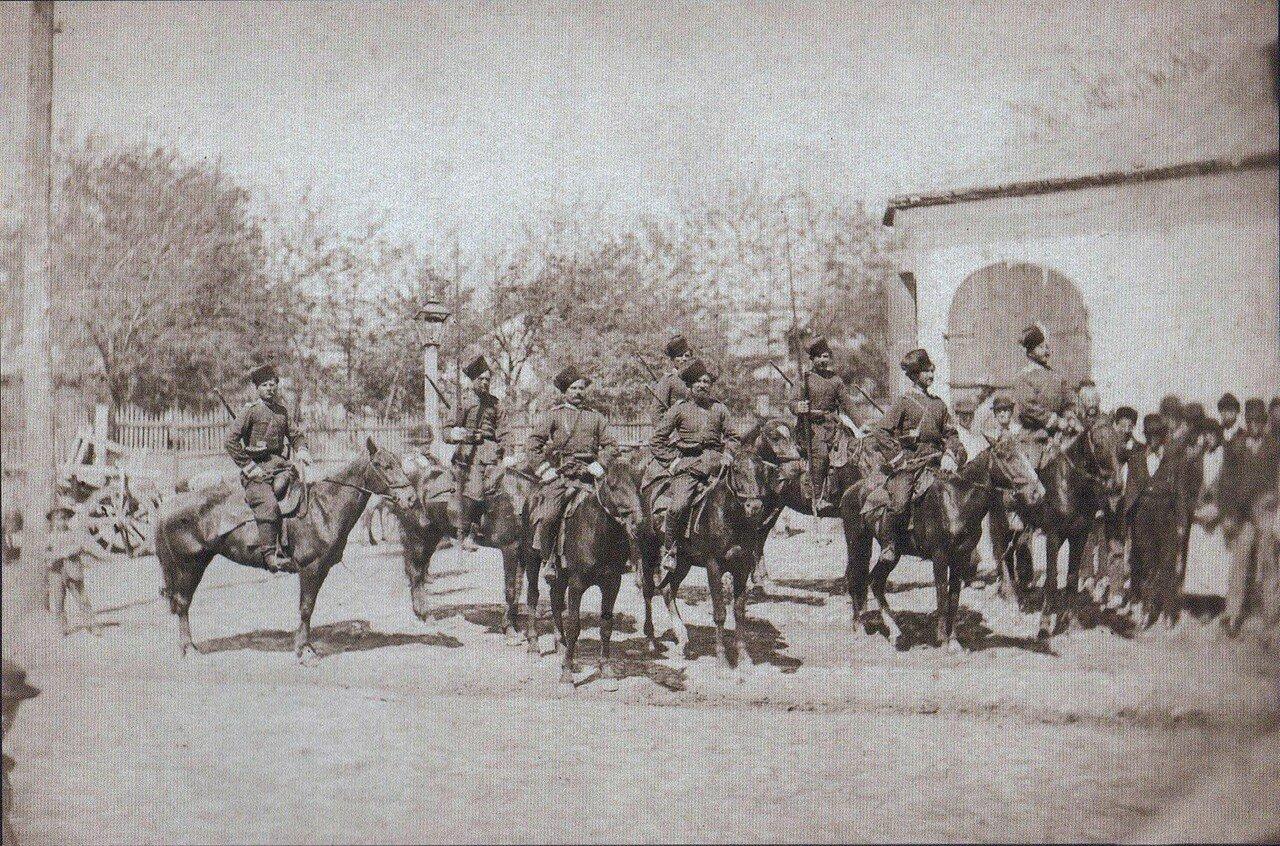 02. Отряд донских казаков перед резиденцией императора в Плоешти, июнь 1877
