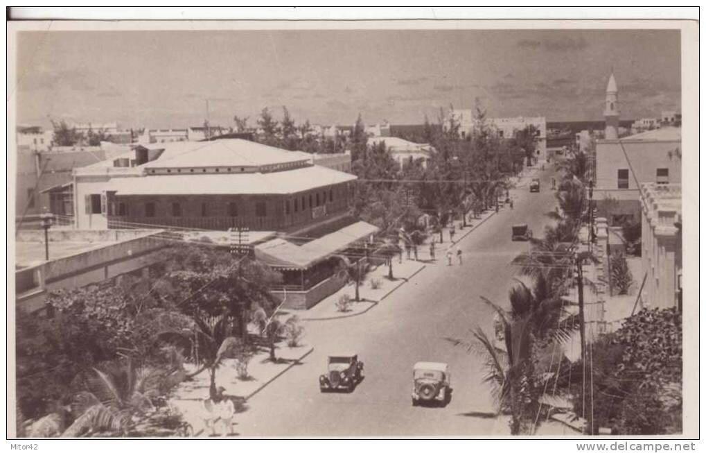 Africa Orientale Italiana-Mogadiscio-Somalia-Ex colonie Italia-Corso V.E. con Auto.jpg