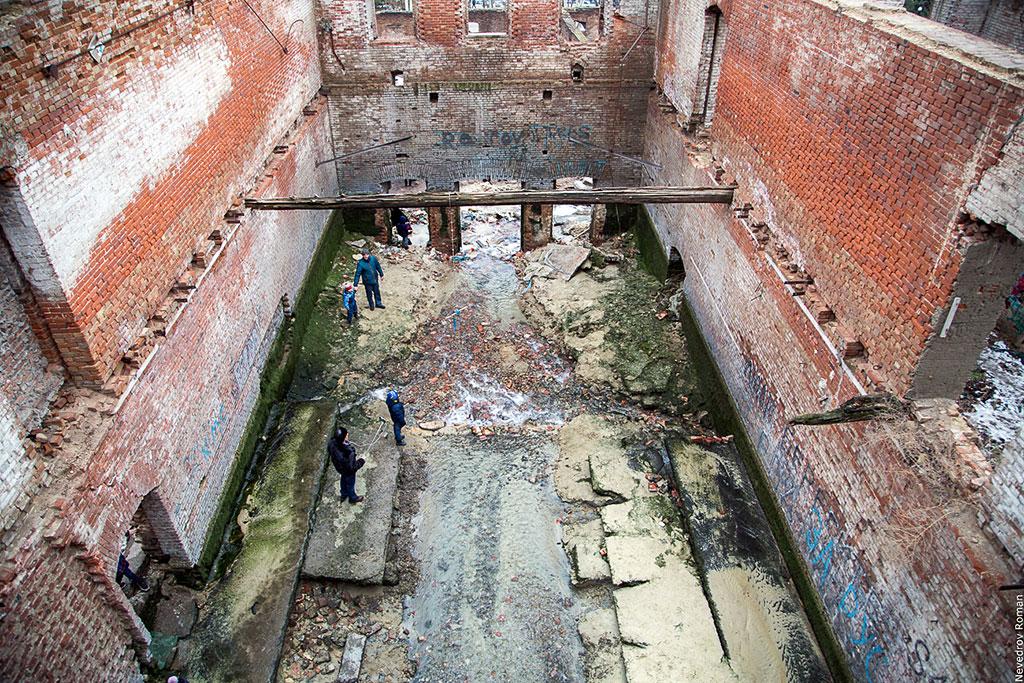 Фоторепортаж: Ростовчане прощаются с Парамоновской купальней