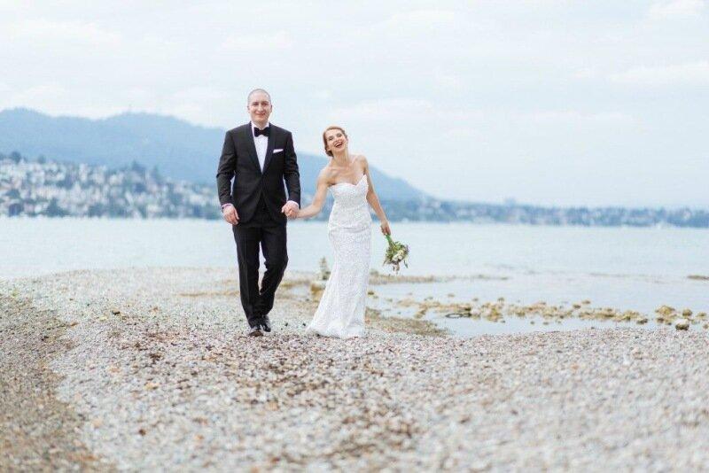 Молодожёны, гуляющие по воде. Красивая свадебная фотосессия 0 1cd5be 480bc439 XL