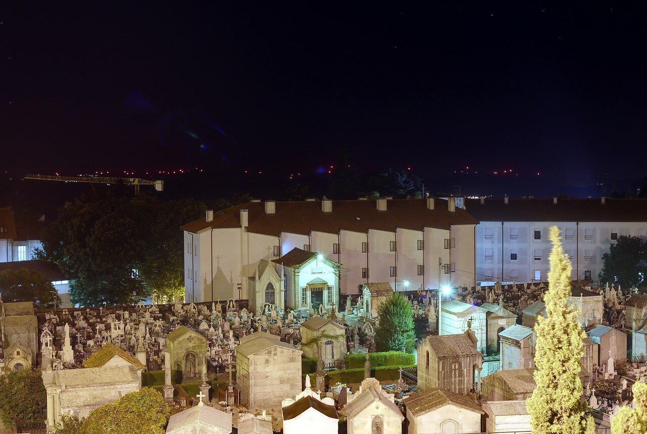 Night Guard. Cemetery