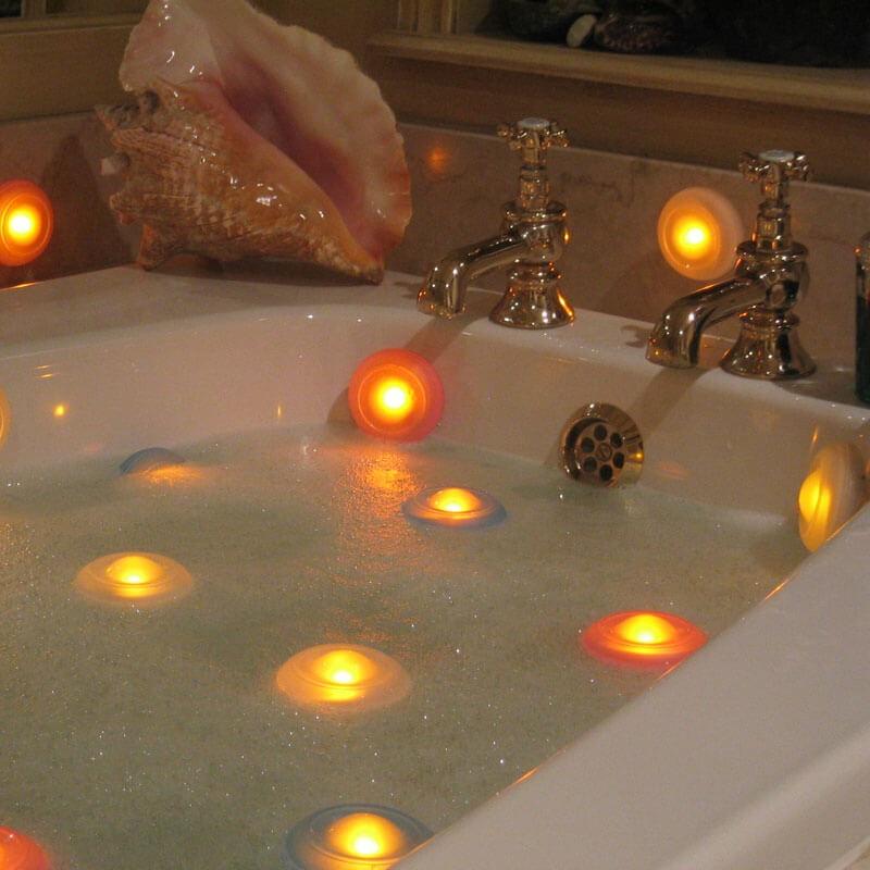 12. Водонепроницаемые лампочки на присосках (© prezzybox) Для создания романтической атмосферы.