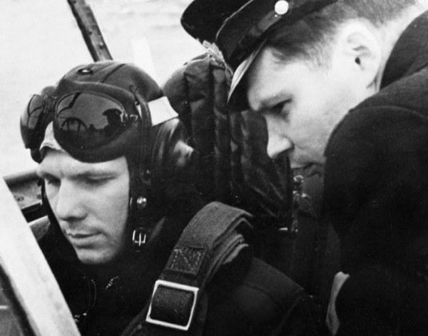 Приятные изменения произошли в жизни Юрия Гагарина на личном фронте. До начала службы он женился на