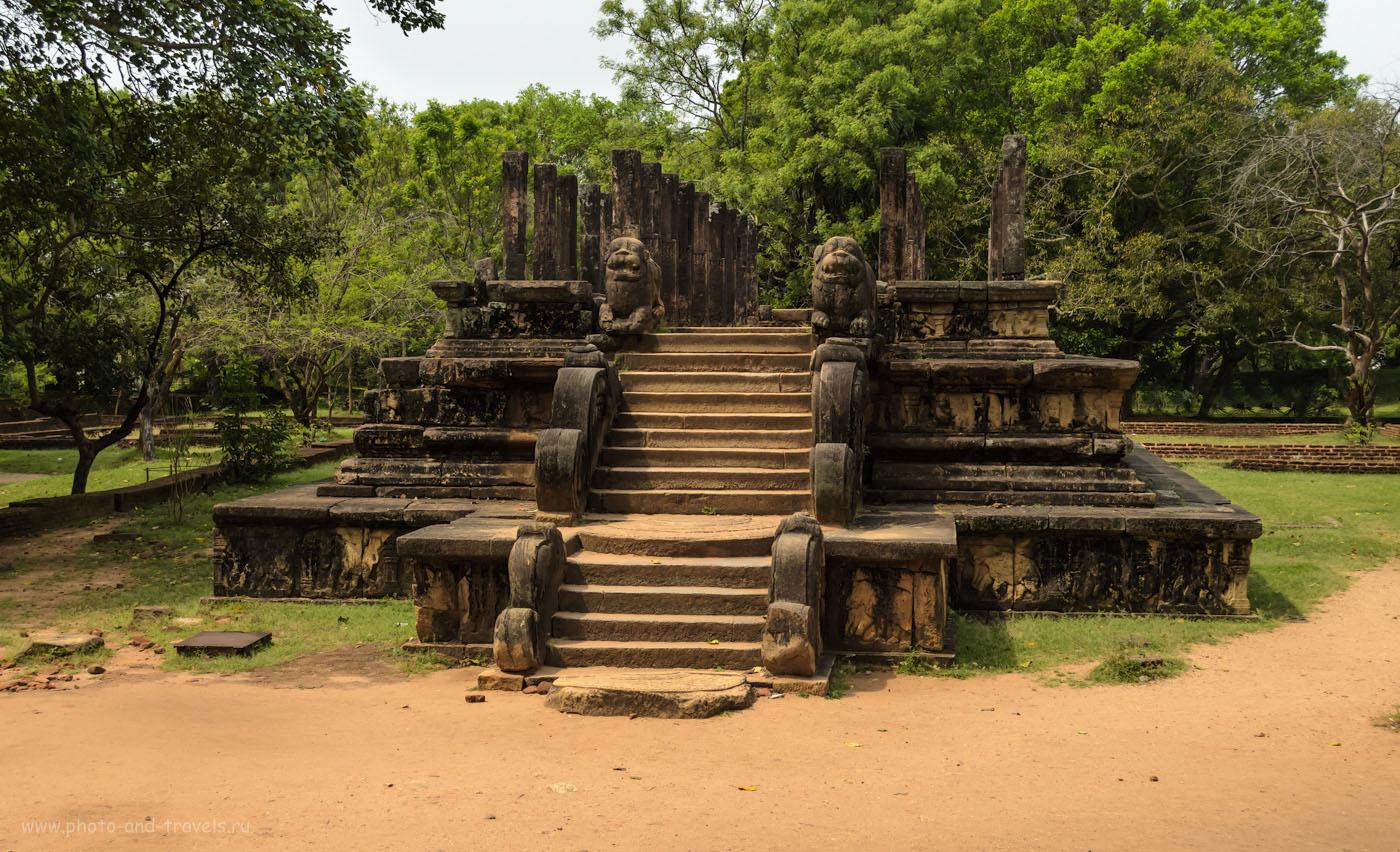 Фото 2. Остатки Палаты Совета Короля Ниссанкамала в городе Полоннарува. Отчеты туристов об экскурсии. Самостоятельный тур по Шри-Ланке на автомобиле.