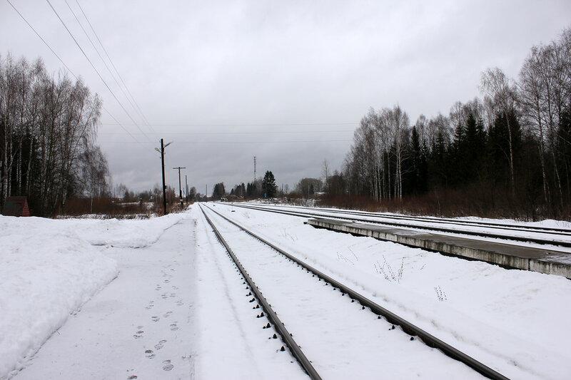 Станция Белый городок, вид на Калязин