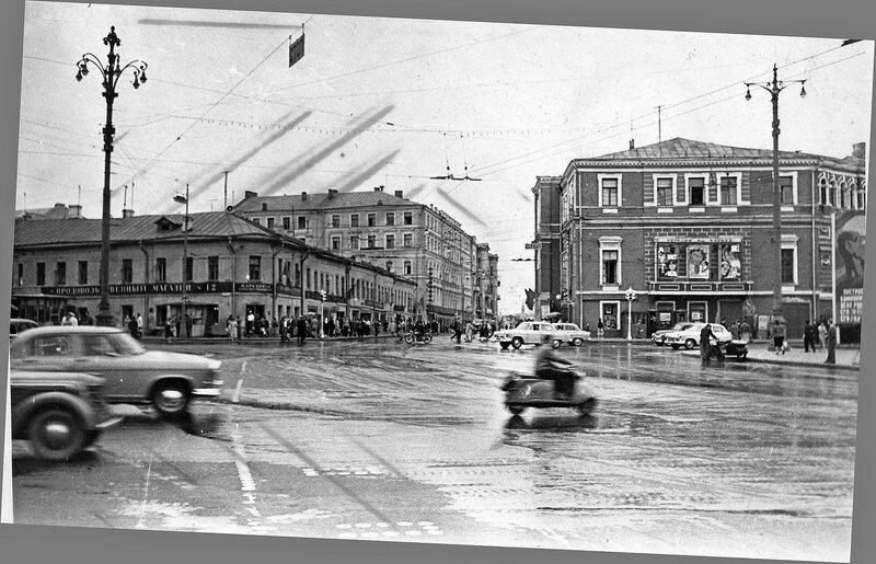 151942 Никитские ворота А.В.Ермолаев, кон. 1950-х гг..jpg