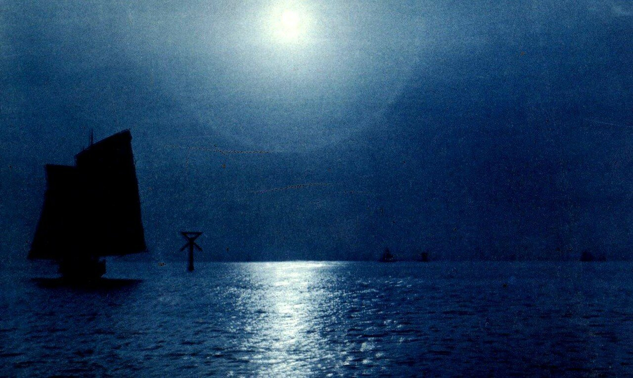 Джонка в лунном свете