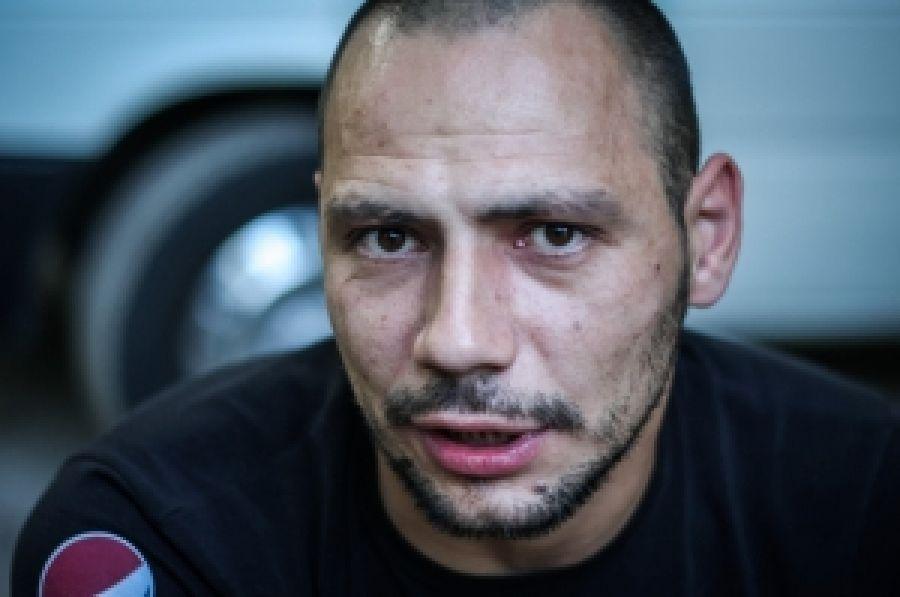 Задержанного в Киеве собрата перевозят на Донбасс