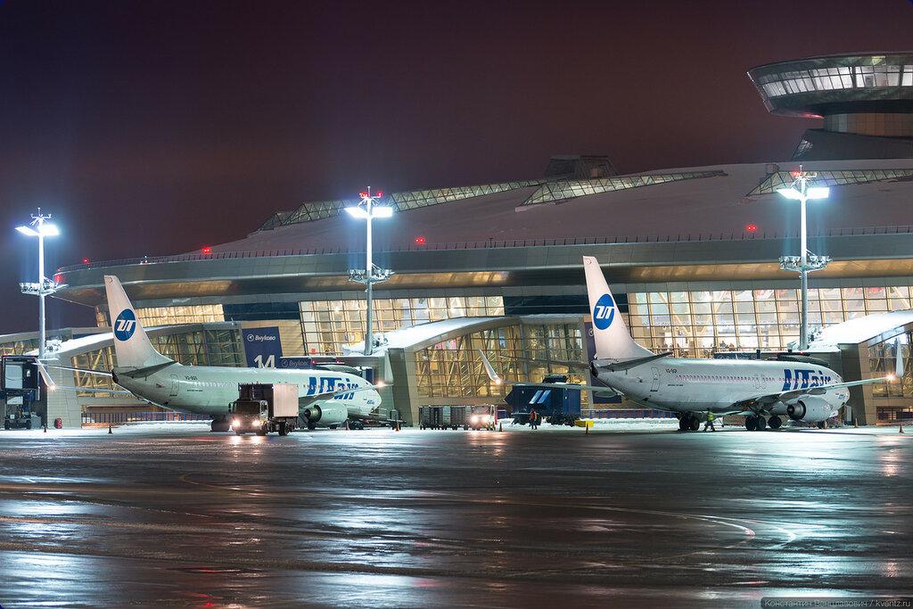 UTair летает в основном по России, поэтому их самолётов с этой стороны больше всего