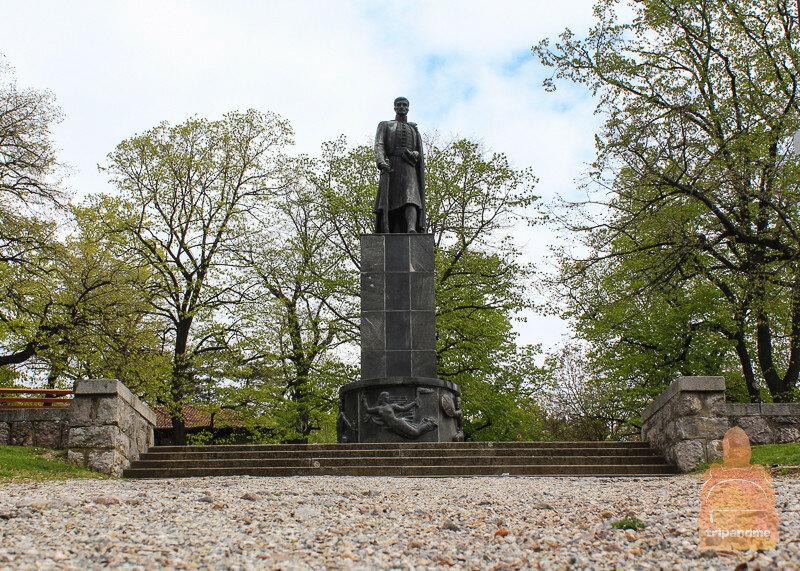 Памятник Карагеоргию в Тополе