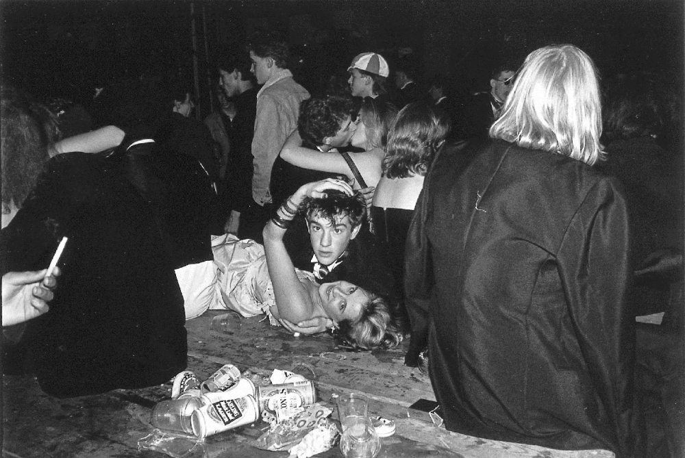 Бал в честь празднования Хеллоуина, 31 октября 1987 года.