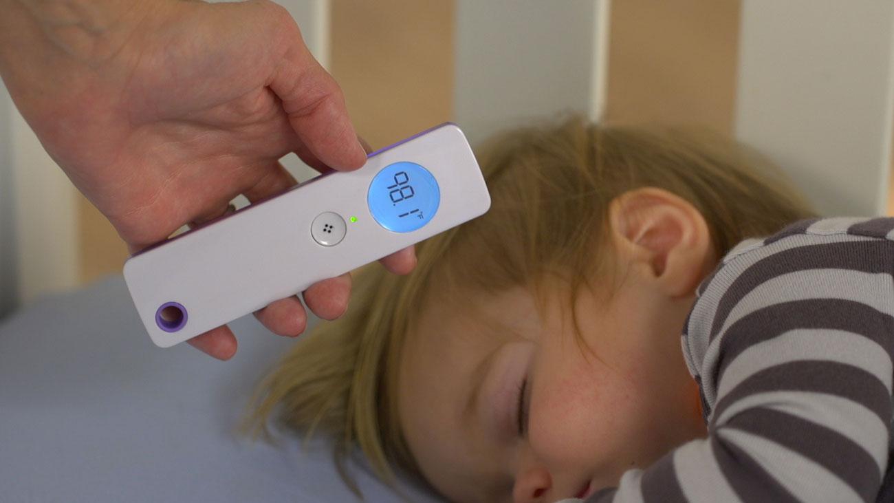 Каждый родитель знает, что измерить температуру ребёнку (то есть заставить его сидеть неподвижно нес