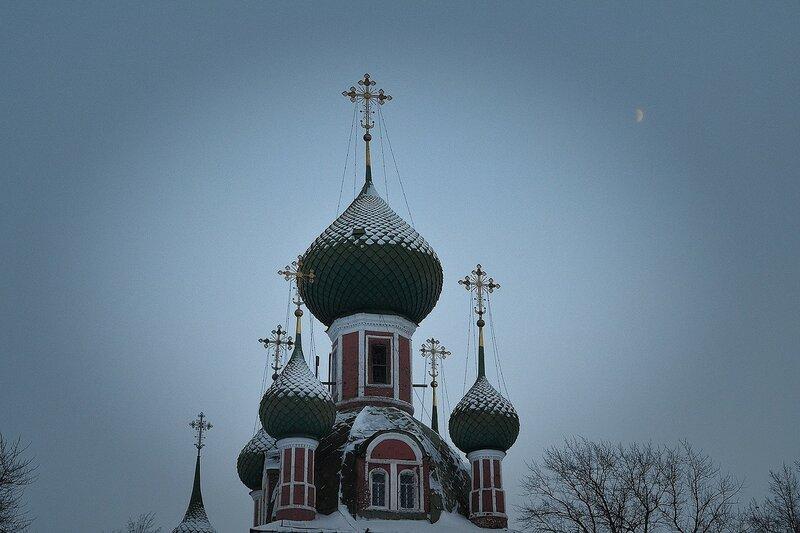 Заснеженные купола (Переславль-Залесский. Купола Церкви Александра Невского)