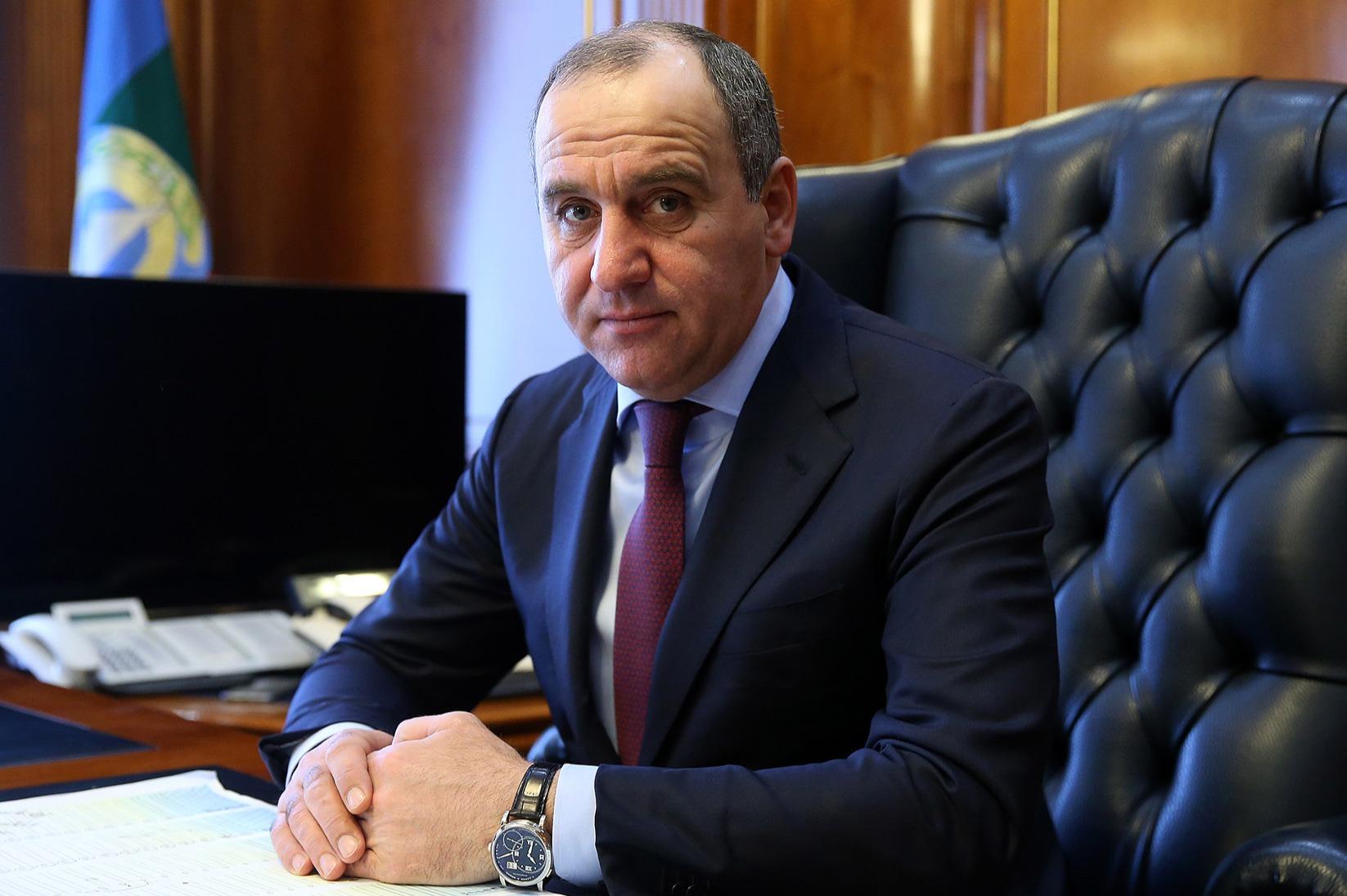 Партии предлагают выбрать  Вячеслава Битарова напост руководителя  Северной Осетии