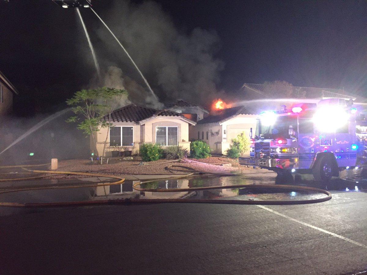 ВСША самолет упал нажилой дом